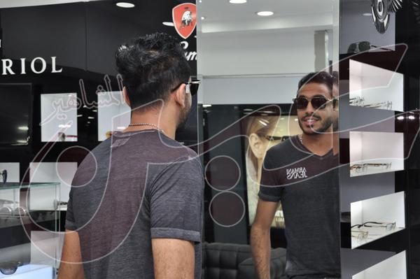محمود كهربا يشتري نظارة شمسية بمبلغ 27 الف جنيه (2)