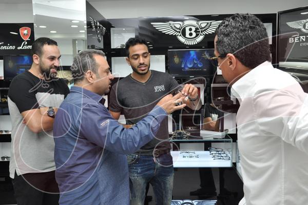 محمود كهربا يشتري نظارة شمسية بمبلغ 27 الف جنيه (3)