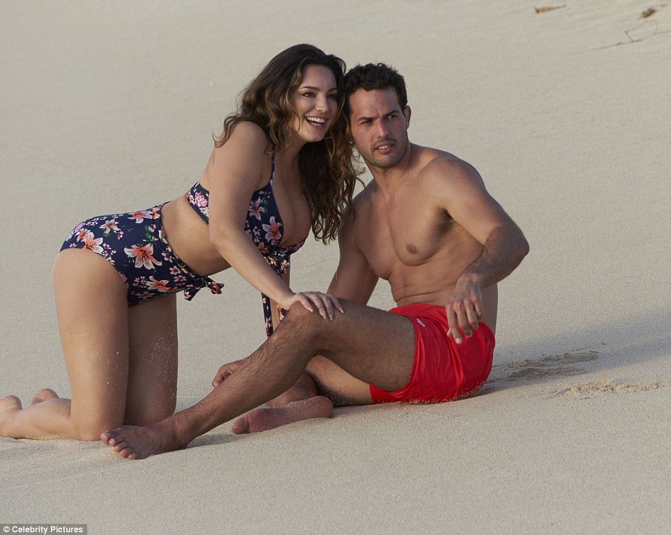 BIKINI KELLY BROOK