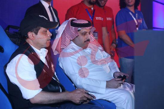 عمرو دياب ومحمد حماقى (15)