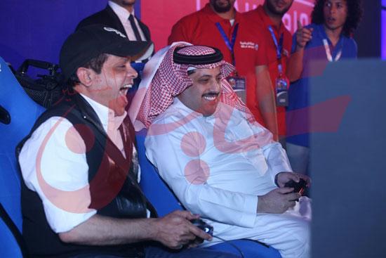 عمرو دياب ومحمد حماقى (13)