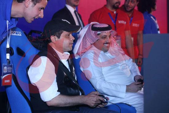 عمرو دياب ومحمد حماقى (14)