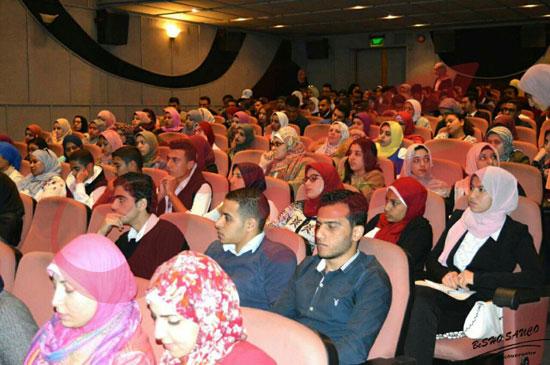 عمرو دياب ومحمد حماقى (1)