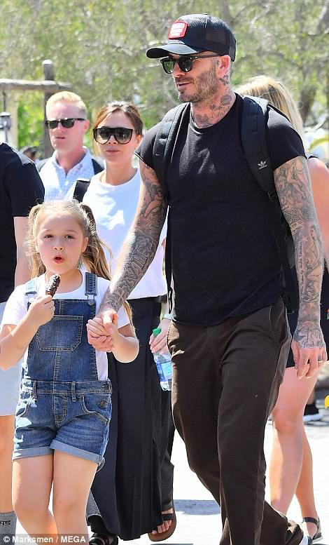 بيكهام وابنته 1