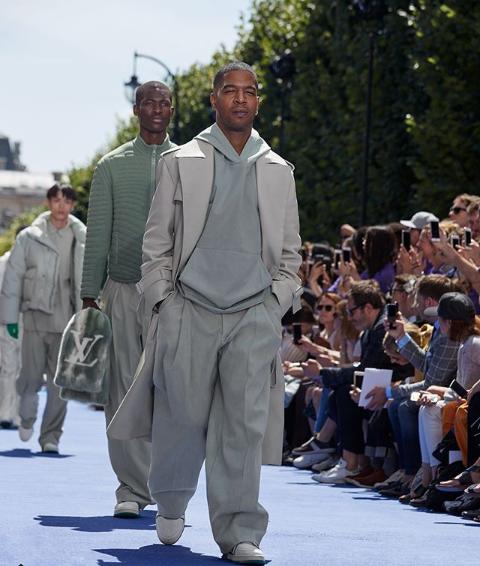 0c5f05c446214 لوى فيتون فى أحدث عروض أزياء أسبوع الموضة الرجالية بباريس - عين