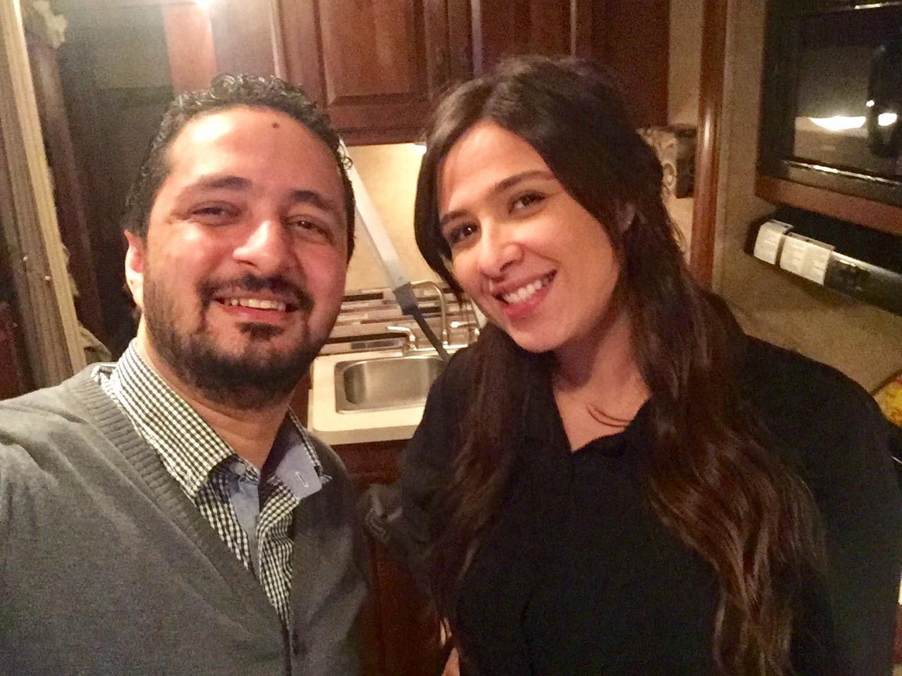 ياسمين عبد العزيز ومؤلف المكلة امين جمال