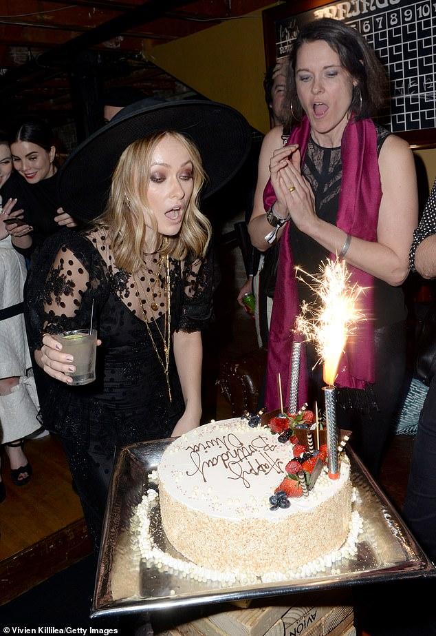 اوليفيا وايلد تحتفل بعيد ميلادها الـ 35 (9)