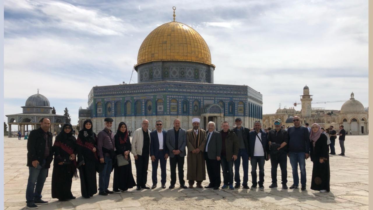 تكريم البحرينية هيفاء حسين فى فلسطين وزيارتها للقدس (4)