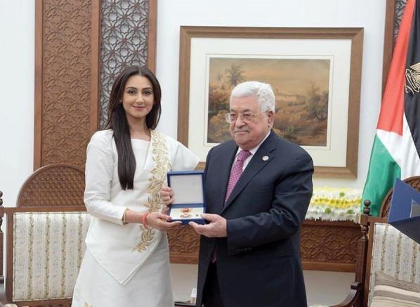 تكريم البحرينية هيفاء حسين فى فلسطين وزيارتها للقدس (7)