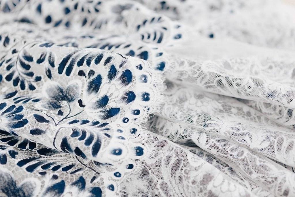 الفستان بالاتيليه الخاص بالدار  (4)