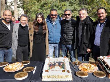 ياسمين عبد العزيز تحتفل ببدء تصوير الملكة