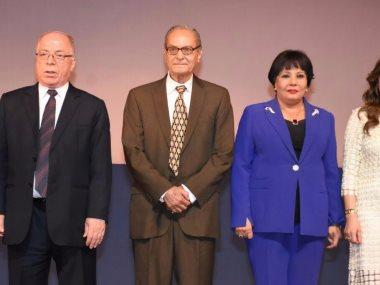 تكريم نجوم الفن فى افتتاح مهرجان المسرح القومى