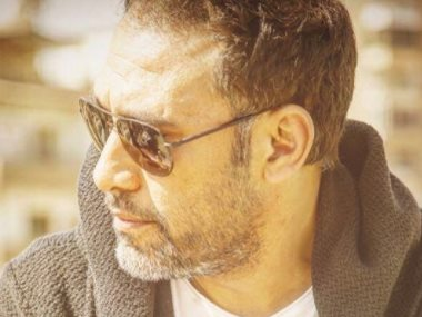 الفنان عمرو مصطفى