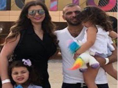 عماد متعب وزوجته يارا وابنتاهما