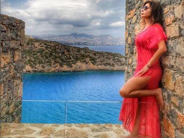 اليسا فى اليونان