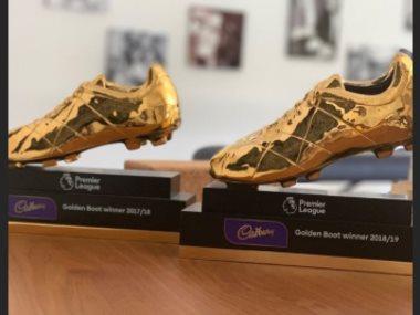 الحذاءان الذهبيان لمحمد صلاح