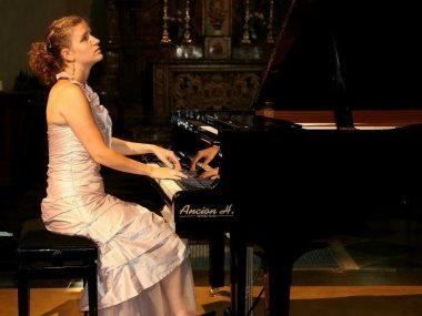 عازفة البيانو ايفيلين جرام
