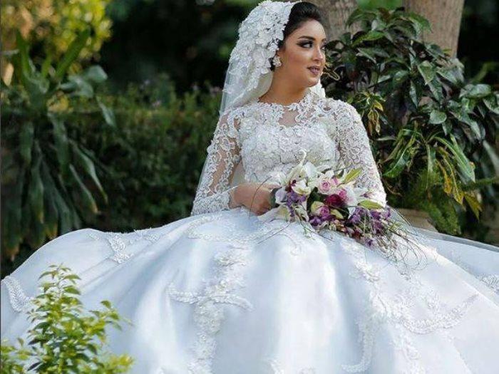 51f4ca41182d5 صور.. تسعيرة 2017 لأشهر مصممى فساتين الزفاف - عين
