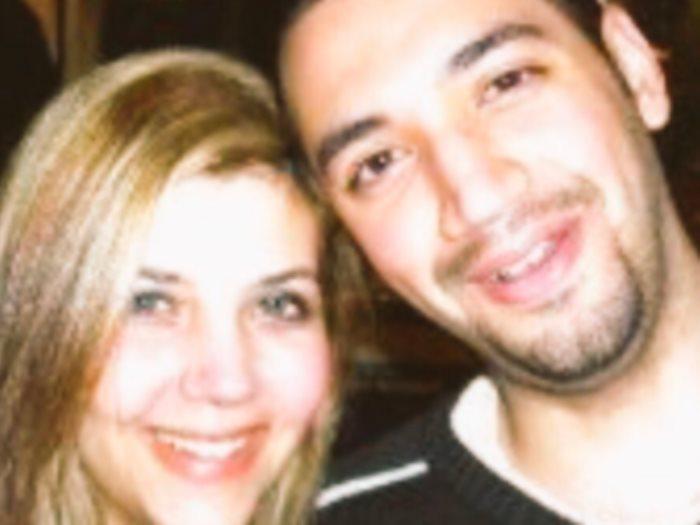 معز مسعود و شقيقته