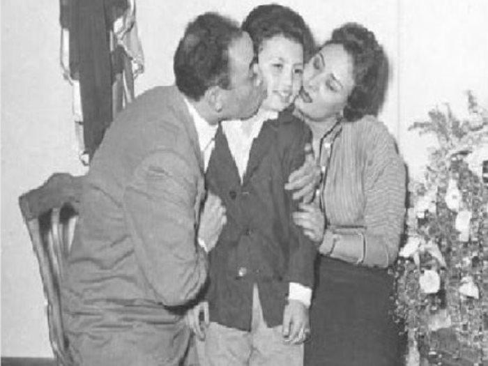 إسماعيل ياسين وزوجته