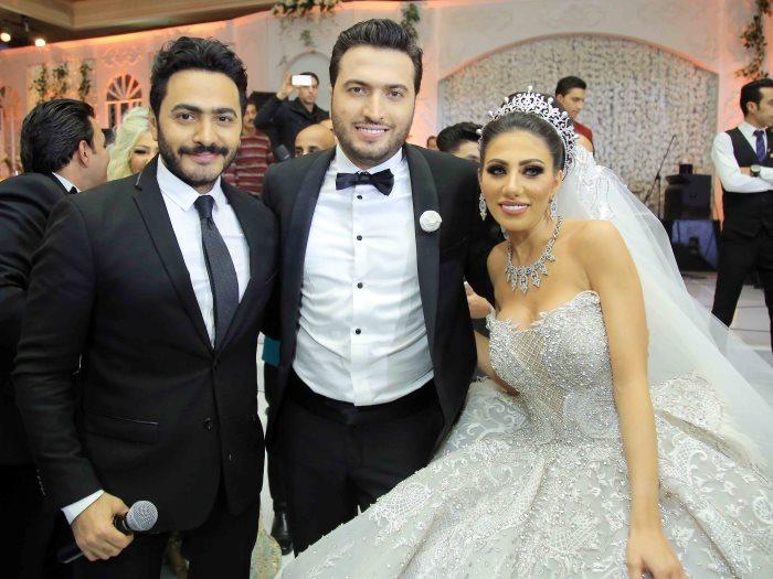تامر حسنى والعروسين