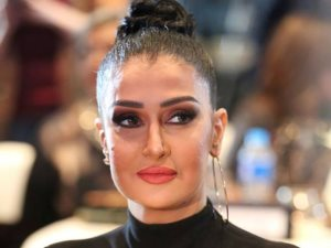 غادة عبد الرازق تعود لتصوير مسلسلها «ضد مجهول» بعد إصابتها بشوارع الزمالك