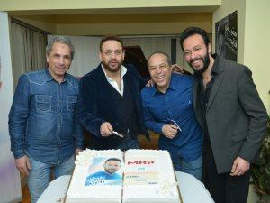 صور.. مصطفى قمر يحتفل بأغنية «يخرب عقلك بحبك» والتوقيع مع 3 مطربين شباب