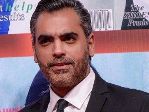 أحمد كرارة أحدث المنضمين إلى «بالحجم العائلى» مع يحيى الفخرانى