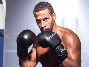ريو فرديناند من لاعب كرة قدم لـ ملاكم