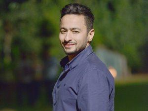 حمادة هلال يروّج لفيديو كليب أغنيته «مشيت طريق» على «إنستجرام»
