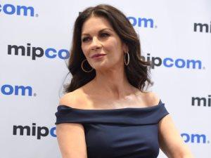 كاترين زيتا جونز تتألق فى حملة الترويج لفيلم «Cocaine Godmother»