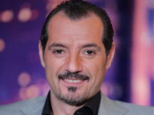 صورة.. عادل كرم يصور مشاهده فى «تراب الماس» أمام آسر ياسين