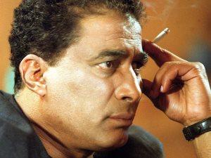 بالصوت.. أحمد زكى يوضح سبب ابتعاده عن الدراما بعد «هو وهى» بتسجيل نادر