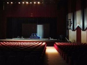 صور.. مسرح محمد الخامس يستعد لزلزال «فيزا فور ميوزيك»