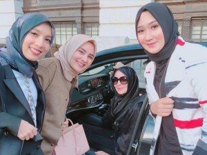 صور.. «ليندسى لوهان» تثير الجدل مجددا بعد ارتداءها الحجاب فى «لندن»
