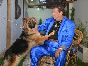 «عن جد».. كلب شعبان عبد الرحيم بيتغدى «كباب» ويتعشى «كفتة»