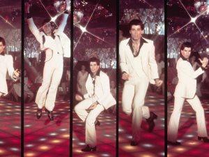 ارقص مع جون ترافولتا احتفالا بعيد ميلاده.. شاهد أجمل رقصاته بالسينما