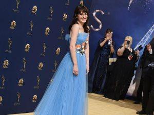 «هتتخض».. ميشال دوكرى تصدم العالم بسعر فستانها فى حفل Emmy Awards