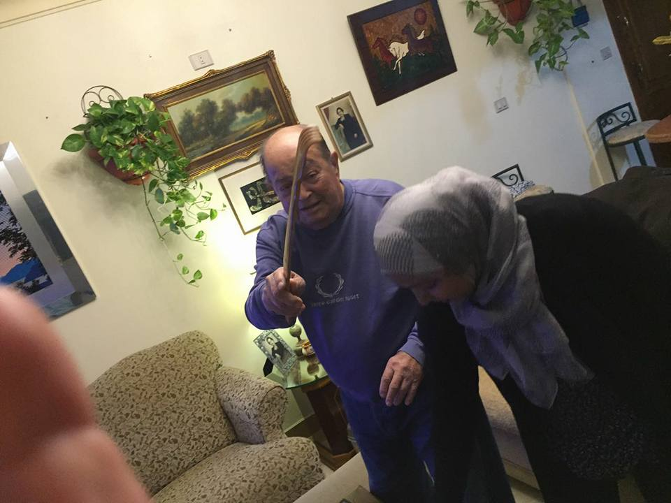 عادل صادق مع ابنته سهام (4)