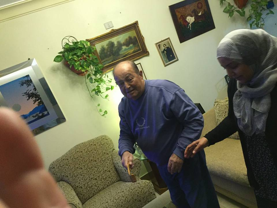 عادل صادق مع ابنته سهام (7)