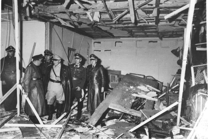 Bundesarchiv_Bild_146-1972-025-10,_Hitler-Attentat,_20._Juli_1944