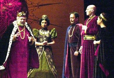 مشهد من مسرحية الملك لير عام 2001