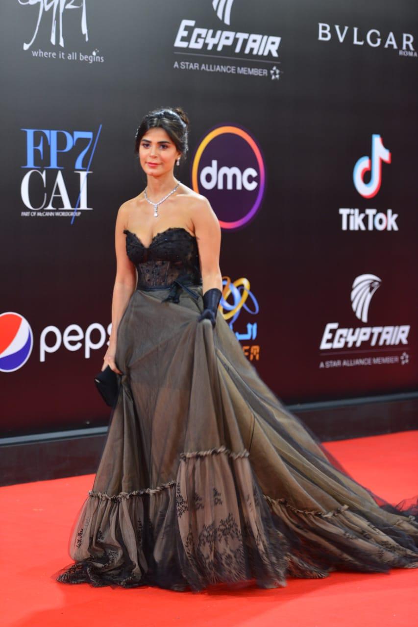 رانيا منصور (2)
