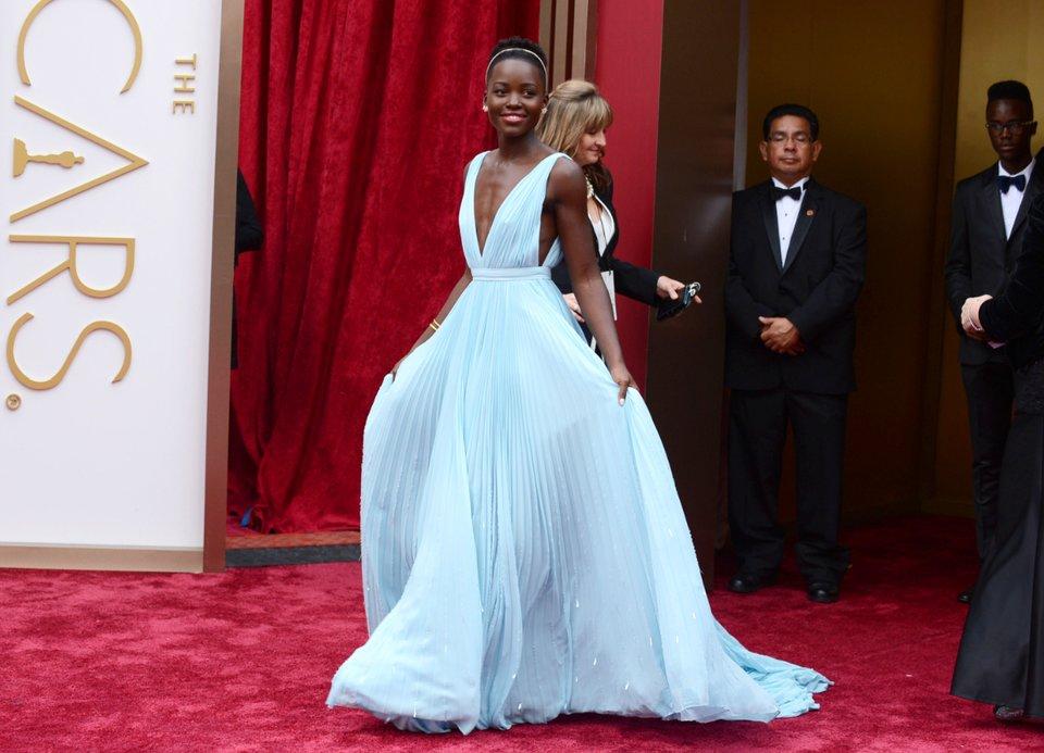 فستان من Prada