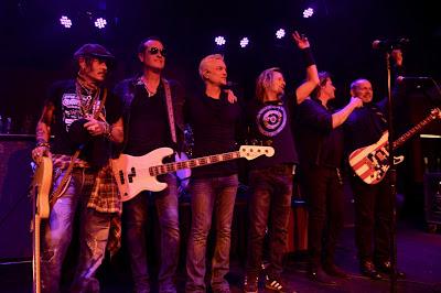 جوني ديب مع فريق Stone Temple Pilots