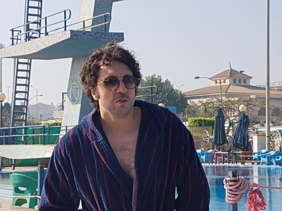 مشهد حمام السباحة لهشام ماجد فى فيلم قلب امه