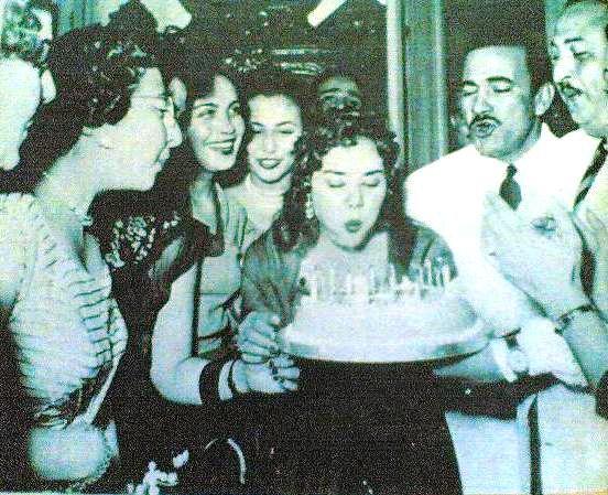 ماجدة تحتفل بعيد ميلاد