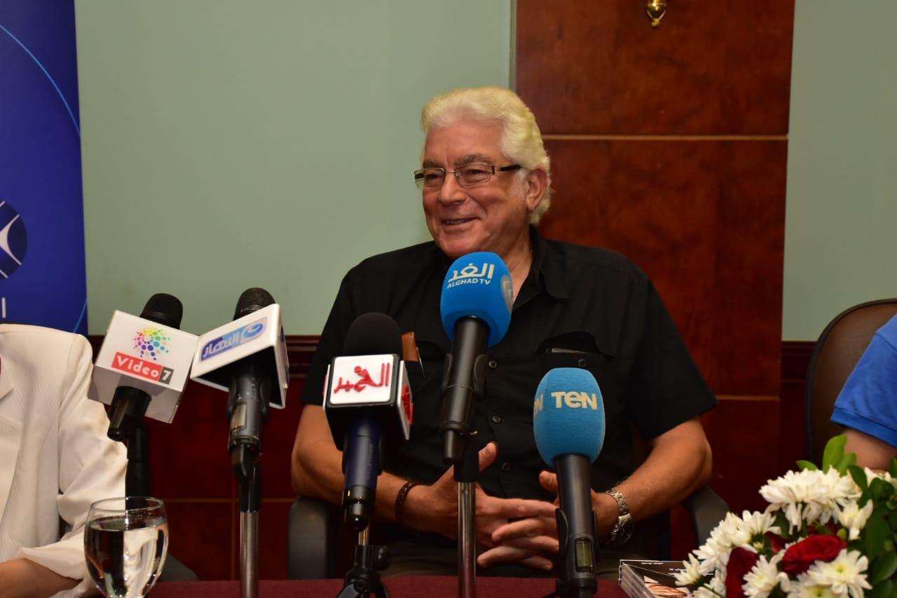 تكريم محمود قابيل (2)