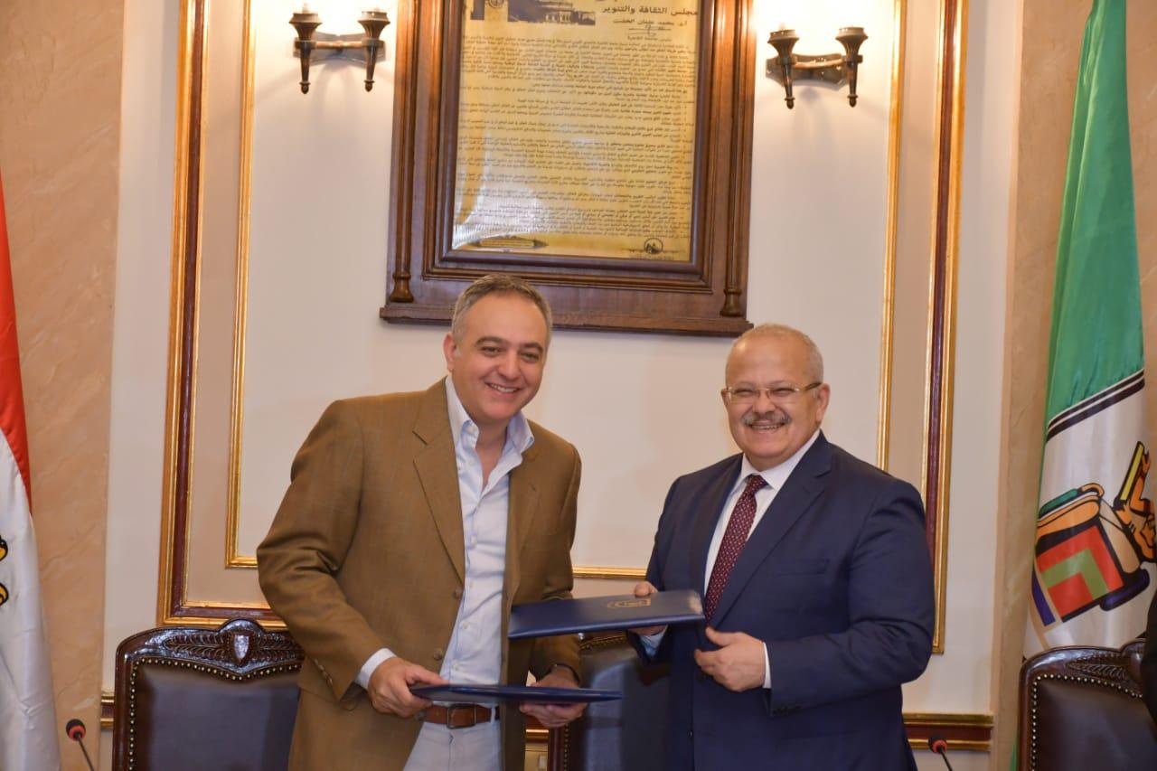 محمد حفظي يوقع بروتوكول تعارون مع جامعة القاهرة (2)