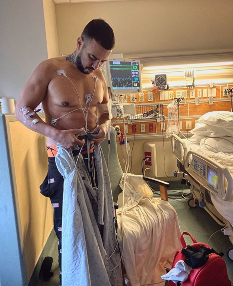 فرنش مونتانا من داخل غرفته بالمستشفي